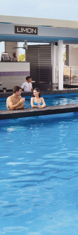 Pool bar at Riu Playa Blanca, Panama - Limon - All Inclusive - Drinks