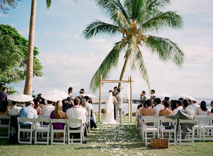 hawaii maui lahaina wedding olowalu plantation house bride groom ceremony