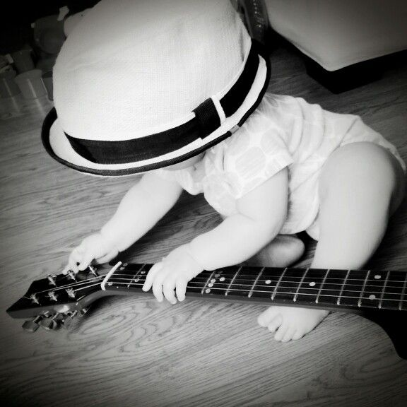 My little guitarist #guitar #hat #music #babygirl #babypics