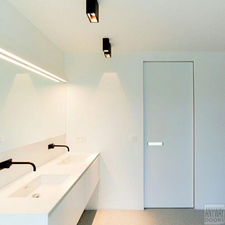 spots op de badkamer en woonkamer