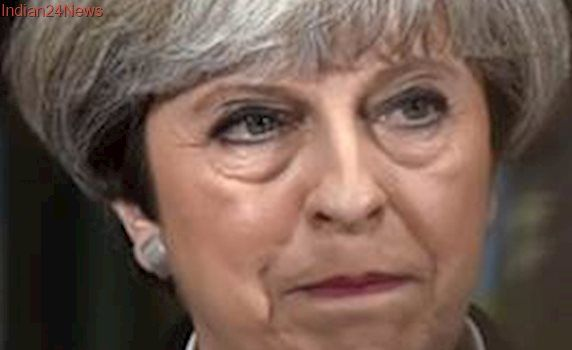 Theresa May strikes one billion pound deal to get Northern Irish DUP support for her government