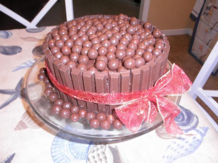 My kit kat chocolate malt ball cake.. | Cakes | Pinterest