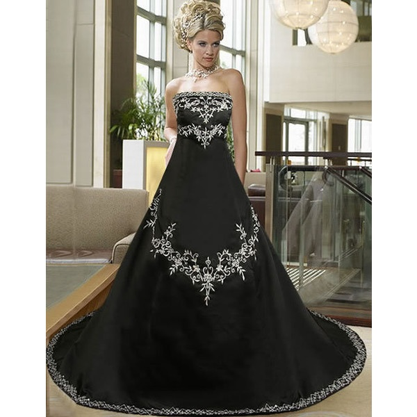 Plus Size Gothic Wedding Dress: Gothic Wedding Dresses Plus Size