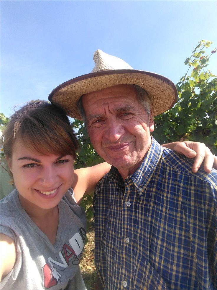 Papi André et sa petite fille Catherine - Domaine de l'Envol