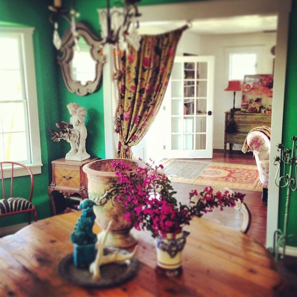 Amazing Emerald Walls With Great Accent Colors Dining
