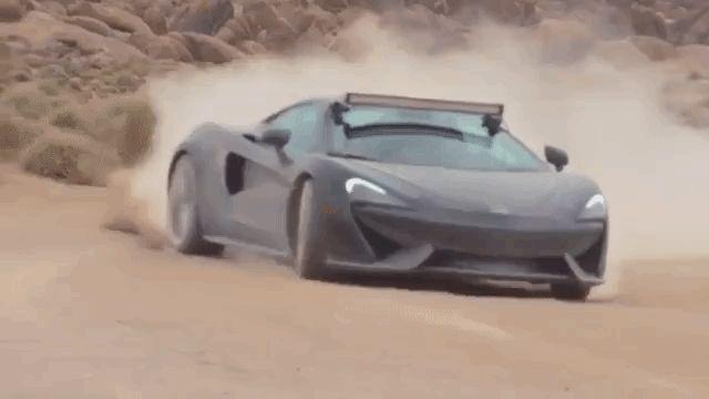 【マクラーレン570GT】まさかのスーパーカーで砂漠爆走。キャンプ仕様だと? 写真・画像