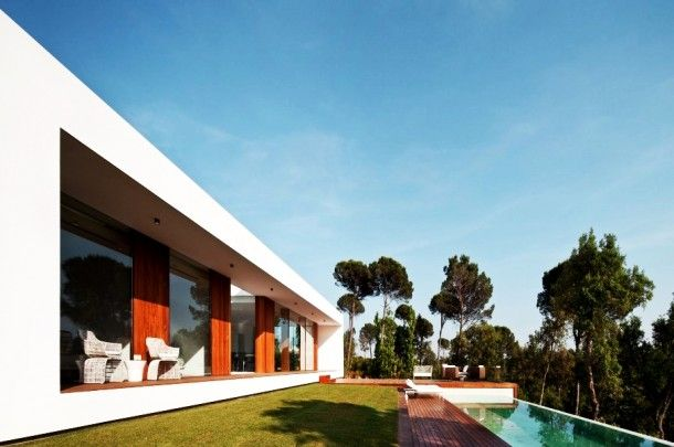 Architecture - Fabulous Villa Indigo Back Space With Long Blue Infinity Pool And Wooden Deck Near Green Trees: Amazing Modern House Design Ideas With Wooden Floor