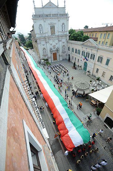 1800m of italian flag. Brescia.