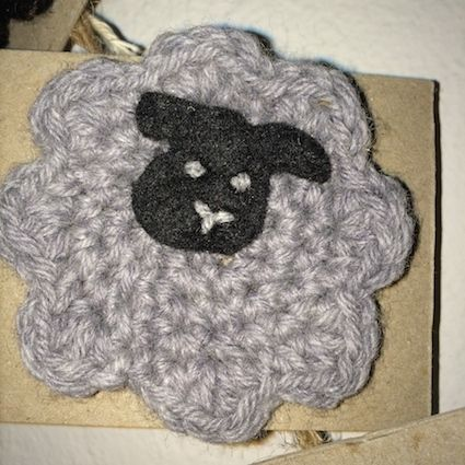 100% Australian Wool Brooches by Tangled Robin.