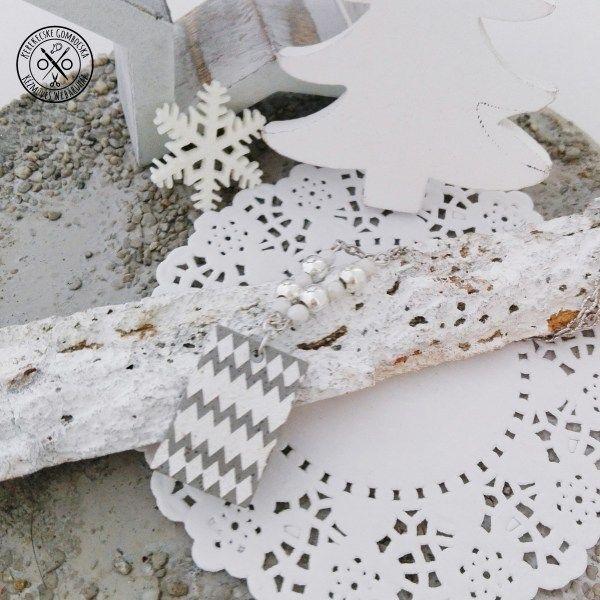 Fehér-ezüstszínű betonnyaklánc #betonékszer