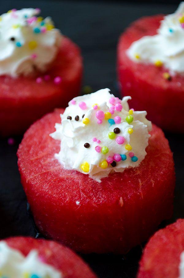 Give Recipe   Skinny Mini Watermelon Cakes   http://www.giverecipe.com