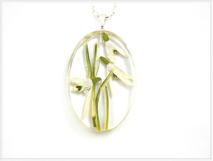 Przebiśniegi_d455. Resin jewelry. w Flowery Inspirations na DaWanda.com