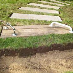 Å lage hagesti med steinheller er enkelt. Det krever ingen forberedelser og resultatet blir flott. Se hvordan du lager en enkel hagesti her.