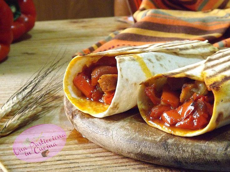 Le tortillas di pollo con peperoni e scamorza sono una combinazione vincente di cucina messicana e cucina italiana: creando questa ricetta...