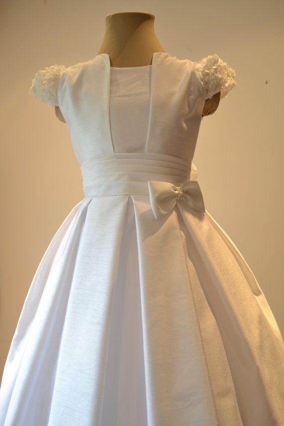 Very elegant first communion dress, adorable flower girl dress size 10