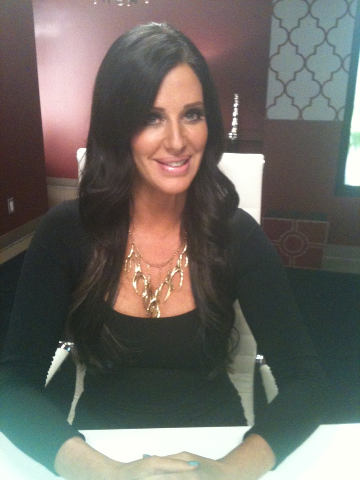 Check out Patti Stanger on new season of Millionaire Matchmaker wearing the Pantheia Back to the Roots necklace - http://www.pantheia.com/Back_to_the_Roots_necklace_brass_p/paj0124.htm