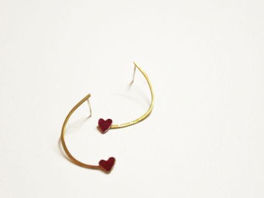 Χειροποίητα κοσμήματα σκουλαρίκια ασημένιο μισοφέγγαρο και μικρή ασημένια καρδιά | myartshop