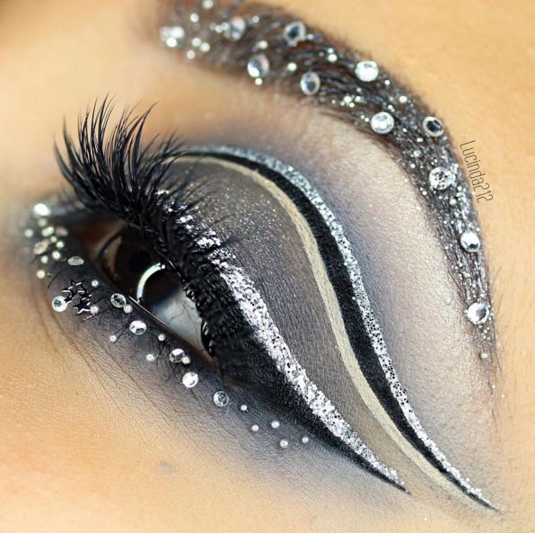 20 Creative Eye Makeup Ideas for the Bold Blog by Pampadour eye makeup - http://amzn.to/2hGJKkg