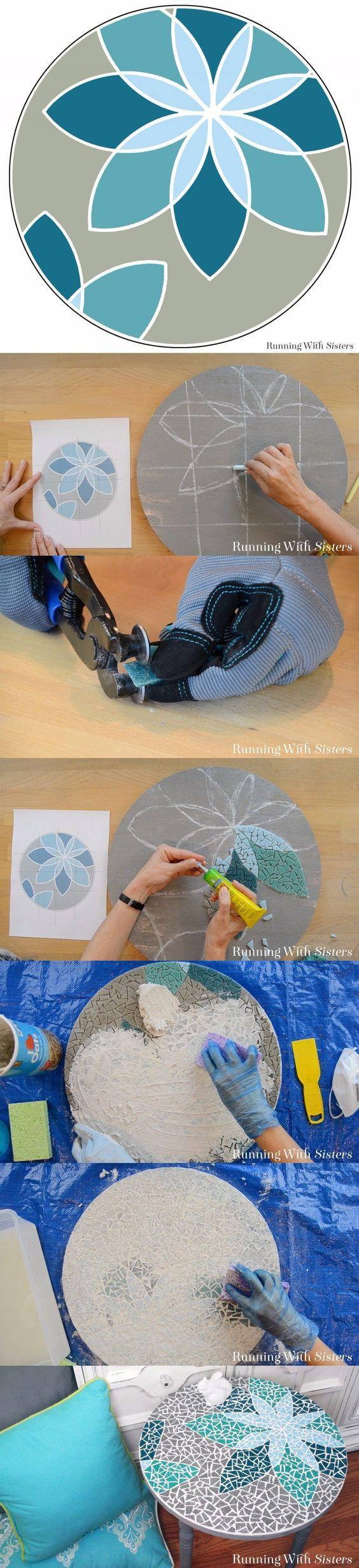 Mesa con mosaicos -runningwithsisters.com - DIY Mosaic Table