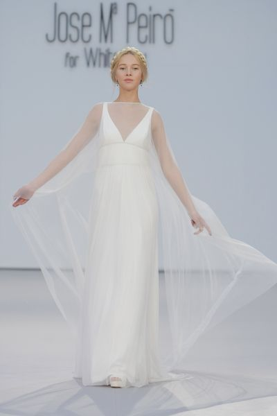 Vestidos de novia con escote en V 2017: Diseños para novias atrevidas y arriesgadas Image: 18