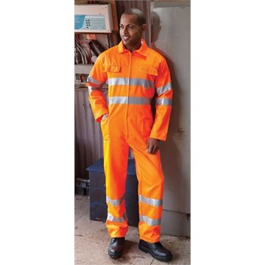 These Yoko Railspec 3M Hi Vis Overalls are a GO-RT 3279 rated protective garment. Ideal for environments where high visibility clothing must be worn.