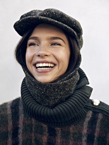 Livvy Échapeau Tweed Khaki Hat & Scarf Combination - Designed by L for Lazarus Derived from the French words for scarf and hat, the Livvy Échapeau Tweed Khaki is an elegant combination of both. With it's unique fastening system, you can wear it: - As one stylish piece - Or as a classic hat & scarf set - Or as individual items. Ideal for looking stylish and keeping warm and dry on your bike!