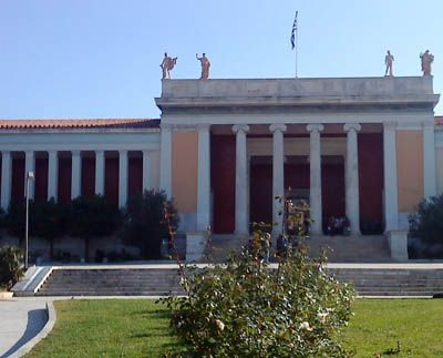 Κάθε χρόνο στις 18 Μαΐου, Διεθνή Ημέρα Μουσείων, τα μουσεία όλης της χώρας γιορτάζουν με ελεύθερη είσοδο και πλήθος εκδηλώσεων.  Πολύ περισσότερο το τιμώμενο για κάθε χρονιά μουσείο, που φέτος έχει επιλεγεί από το Διεθνές Συμβούλιο Μουσείων (ICOM) να είναι το Εθνικό Αρχαιολογικό, μια τιμή που οφείλεται τόσο στην προσφορά του στον πολιτισμό όσο …