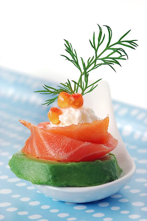 Smoked Salmon with Avacado, Ricotta Cheese and Dill: Canapes, Foodies Ideas, Smoked Salmon, Salmon Avocado, Fingers Food, Smoke Salmon, Appetizers Recipe, Ricotta Cheese, Cream Chee