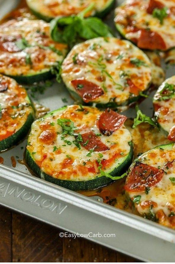 Zucchini Pizza Bites | Low Carb Mahlzeiten | #resepmamaku   – yummy – #Bites #Ca…