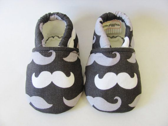 Mustache Baby Boy Shoes di TheWeeLittlePig su Etsy