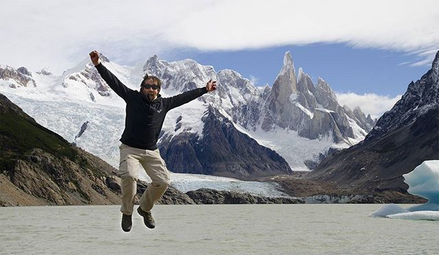 """🇪🇸-> ¡Tengo nueva foto de perfil! 😉. Saltando en la Laguna de los Tres, PN Los #Glaciares, Santa Cruz 🇬🇧-> I have a new profile photo!. Jumpin' at the De los Tres lagoon, Los Glaciares #NationalPark . http://www.sebaleonardi.com.ar .  #Patagonia #Argentina #southamerica #mountains #iamtb #landscapes #travel #viajes #trip #paisaje #travelgram #instatravel #travelblogger #travelphotography #travelphotographer #exploretheworld #traveladdict #photography #wanderlust #travelanddestinations…"