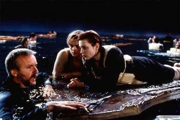 James Cameron dirigiendo en Titanic