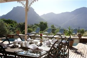 Mountain Views Guest House . Get a discount when booking 3 or more consecutive nights.