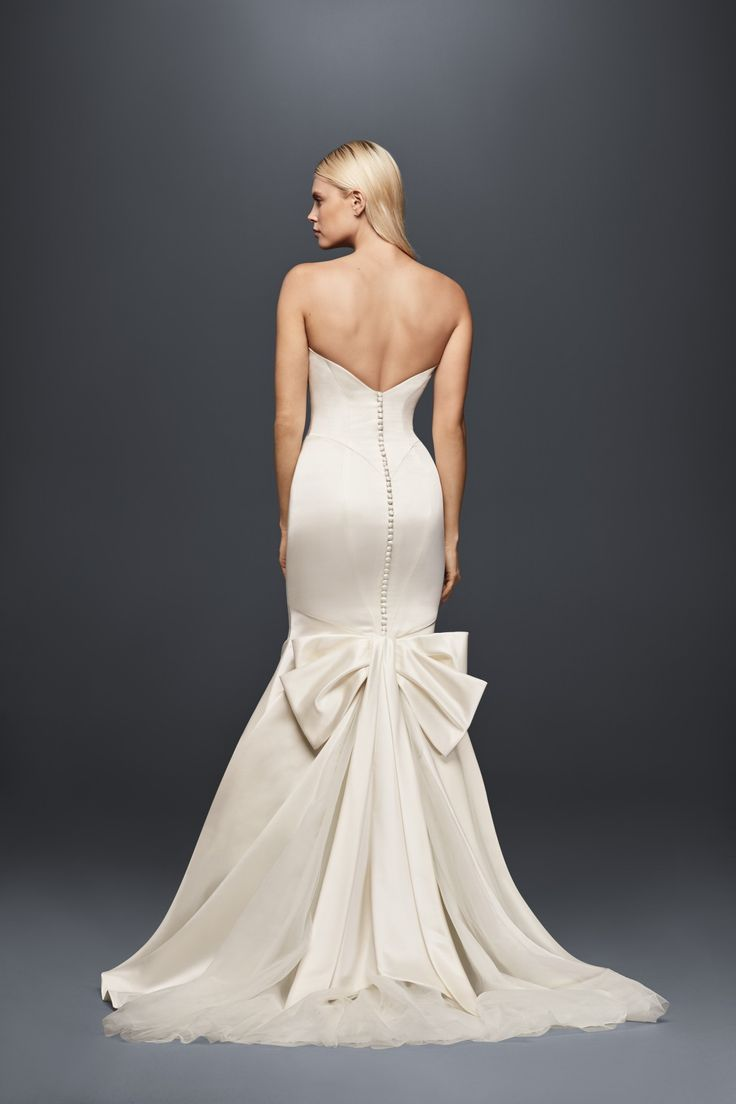 The 254 best images about glamorous wedding on pinterest for Zac posen short wedding dress
