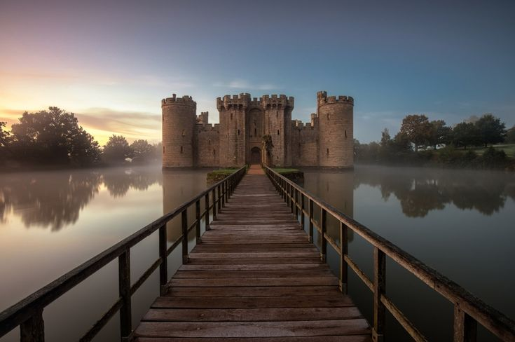 Замок Бодиам, Англия
