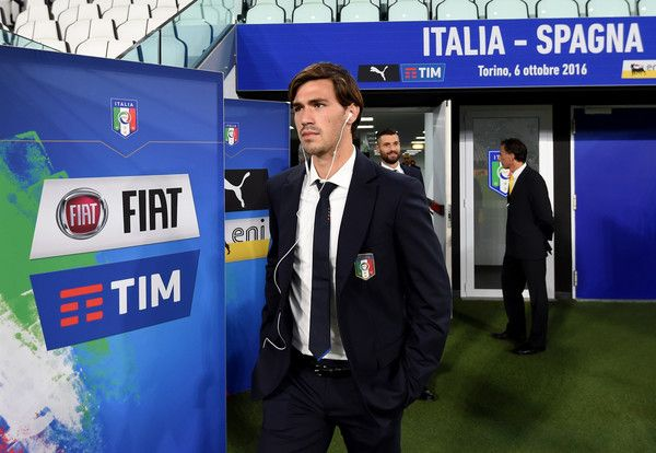 Alessio Romagnoli of Italy walks out to inspect the pitch prior to the FIFA 2018 World Cup Qualifier between Italy and Spain at Juventus Stadium on October 6, 2016 in Turin, Italy.