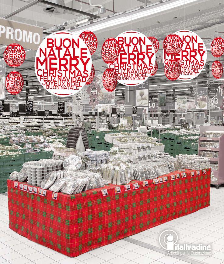 SFERE BUON NATALE Collezione lettere di kit 3 sfere buon natale, abbinate ad un tessuto non tessuto scozzese per una ambientazione natalizia tradizionale ma di grande effetto.