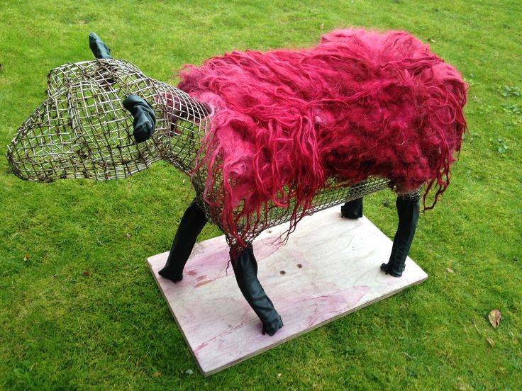 Helen Skelton's #pinksheep creation for BBC Countryfile using a local sheep fleece dyed pink using brambles from the North York Moors, with the help of Tricia from Real Staithes.
