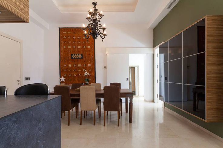 Entire home/flat in Sevilla, Spain. Wonderful apartment located in the center of Seville, 300 meters from the Cathedral and the Royal Alcáceres. Overlooking the Royal Tobacco factory of the XVI century and the Alfonso XIII Hotel.  The apartment has 2 large bedrooms, 1 bathroom, full...