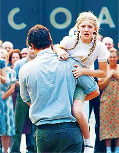 gale was so strong to pull prim away from her sister, especially knowing that neither would probably never see her again. Such a great job by both Willow and Liam.