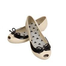 2015 verano solos zapatos de fondo plano mujeres del color del caramelo del dedo…