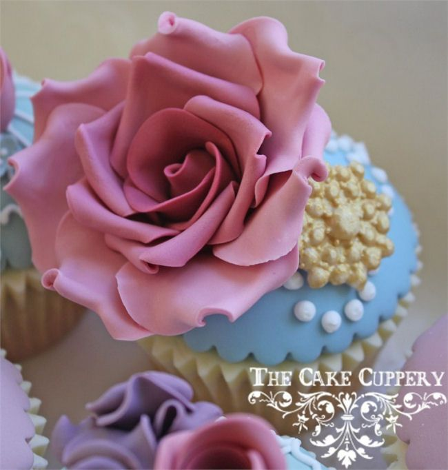 Find this Pin and more on Beautifully Decorated Cupcakes.
