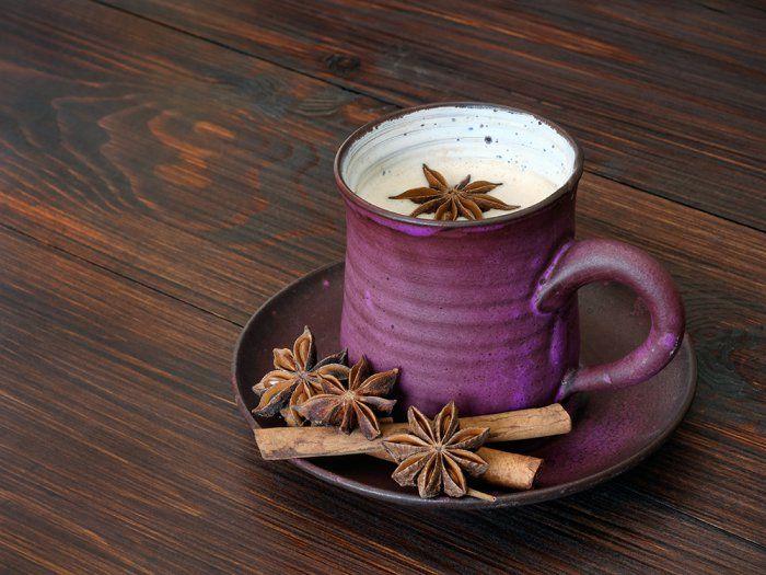 Café pakistanais cardamome et cannelle