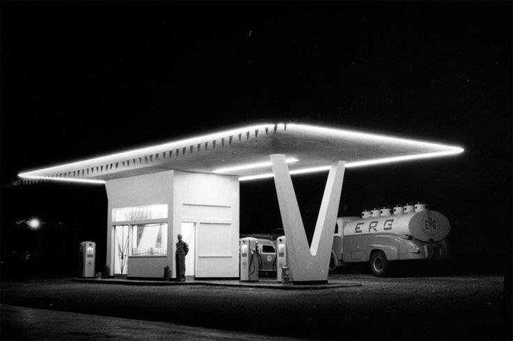 Pompe di benzina, patrimonio architettonico a rischio | Linkiesta.it