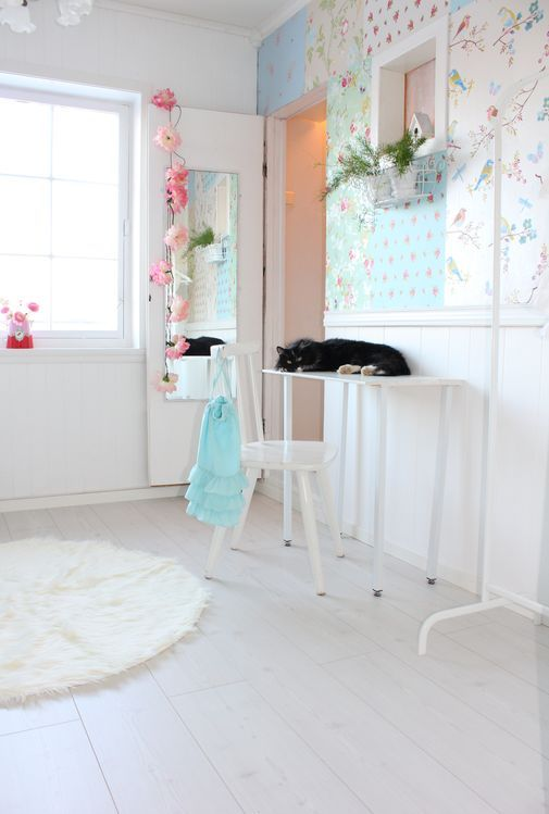 Lisbeth sin lille verden: TEENAGE ROOM