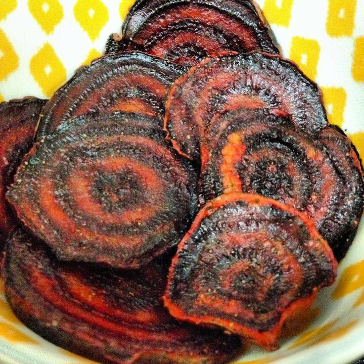Sooo Paleo: Unbeatable Beet Chips #paleo #21DSD