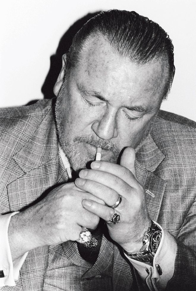 Ray Winstone...got a wee crush on this guy..hes got that if they mess my girl around i'll mess them around beast thing ahaa