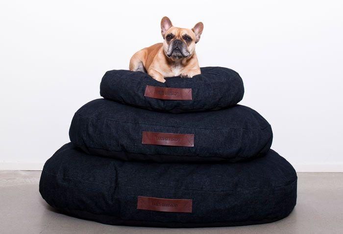 Dark denim dog pillow - photo: Sanne van den Elzen