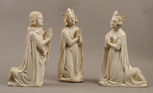 Ensemble. Environ 1350.  France. Marbre avec traces de peintures et de dorures. La série appartenait probablement à un autel ou une tombe.   Metropolitan Museum of Art