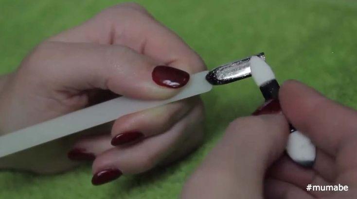 Πως θα πετύχεις μόνη σου, το εφέ του καθρέφτη στα νύχια σου! VIDEO